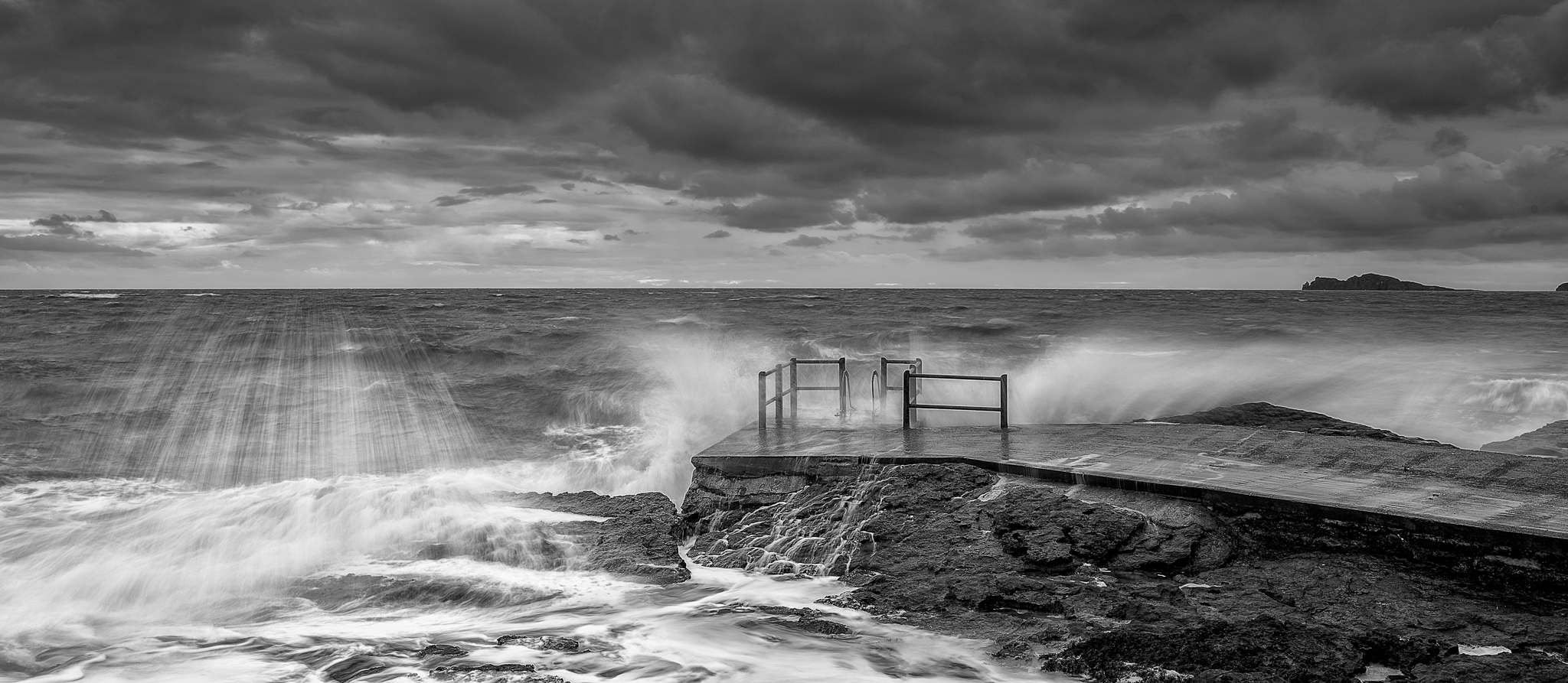 donabate-stormy-sunrise-seascape-ireland-dublin-photography-workshop